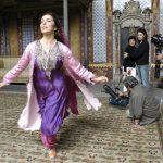 Lale Mansur dancing